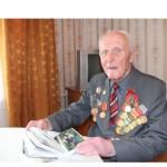 Шел поезд на фронт… Житель деревни Гончары Ляховичского района, ветеран войны Владимир Прокопенко отметил 90-летие.