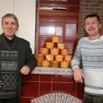 Медовая работа пчеловодов с Востраўскага лесничество Ляховичского района.